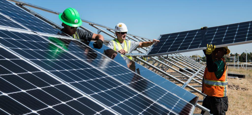 panneau photovoltaïques, maintenance, nettoyage, réparation, maison,